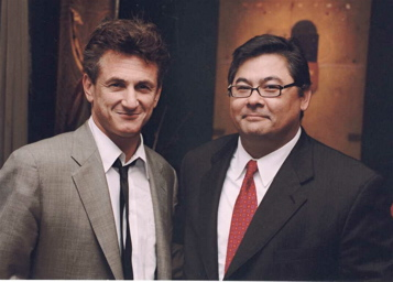 Chatting with Sean Penn in 2005 during a private party in the East Bay.